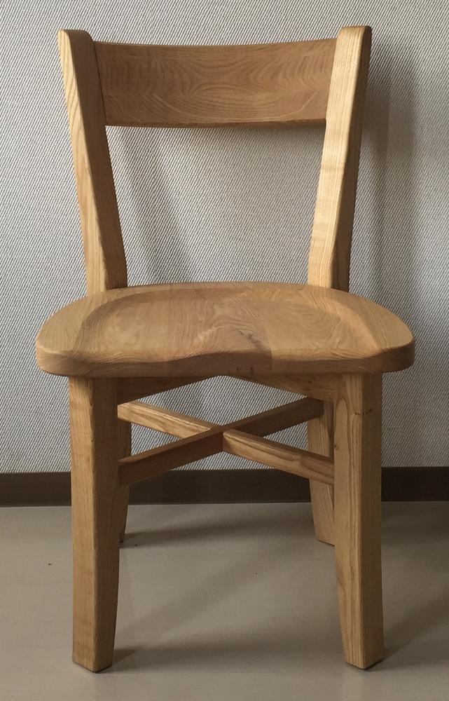 栗の背付き椅子