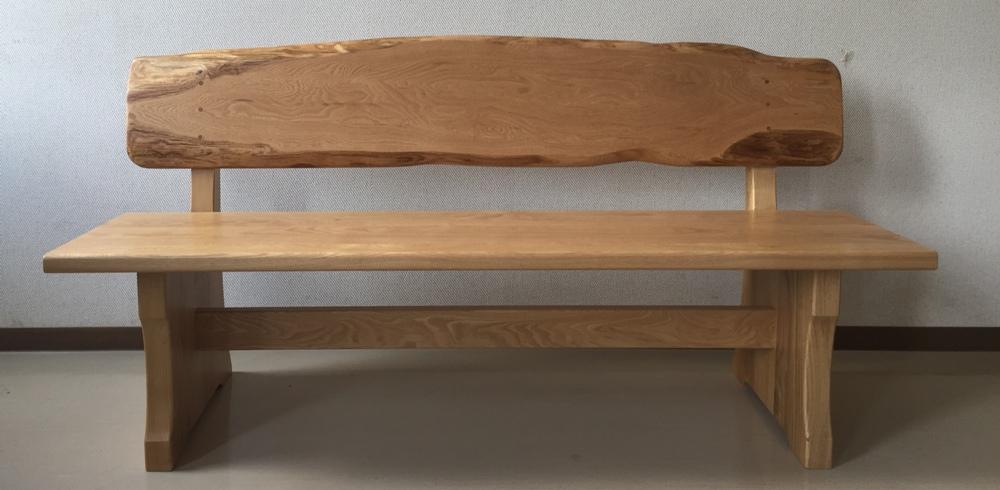 栗の背付きベンチ