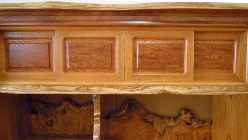 欅自然飾り棚3.5尺 上部4枚の引き戸