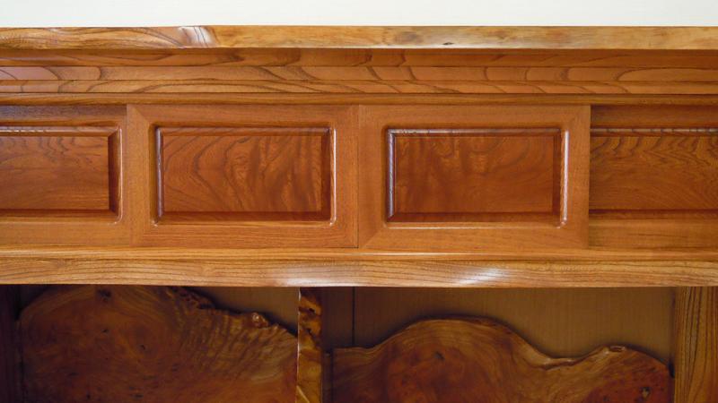 欅自然飾り棚4尺 上部4枚の引き戸