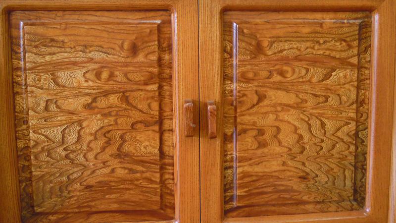 欅玉杢飾り棚4尺 下部の開き戸