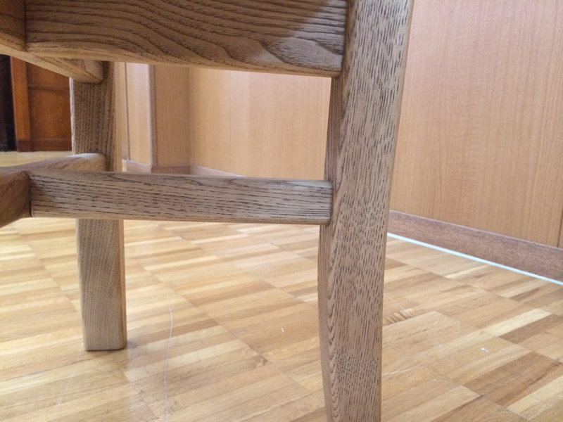 栗の椅子 脚
