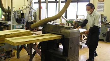 木取り・四面加工