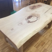 栃材の食卓テーブル