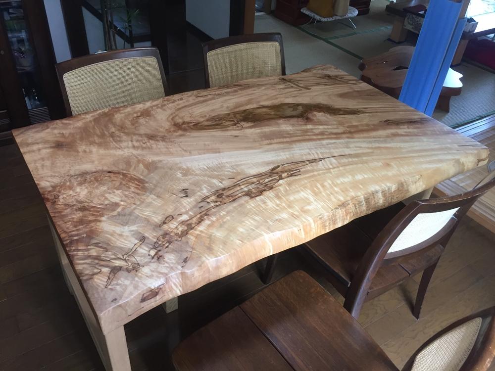 栃(無垢材)食卓テーブル
