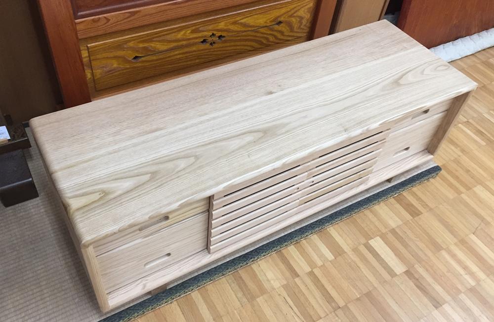 栗のサイドボード