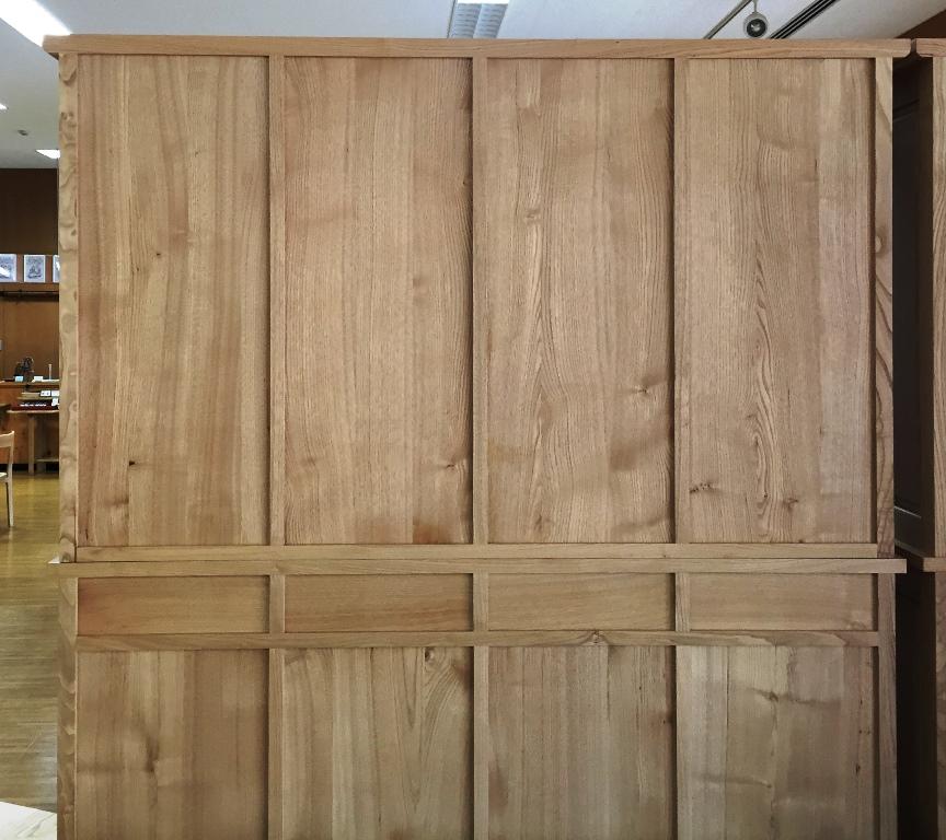 栗の食器棚