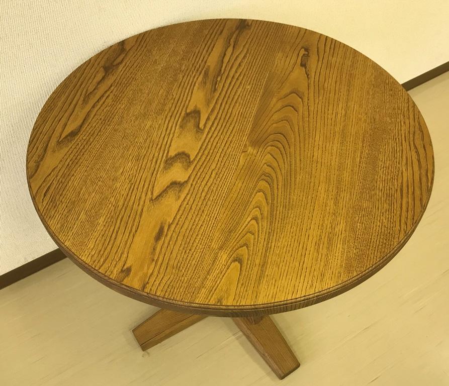 栗のカフェテーブル