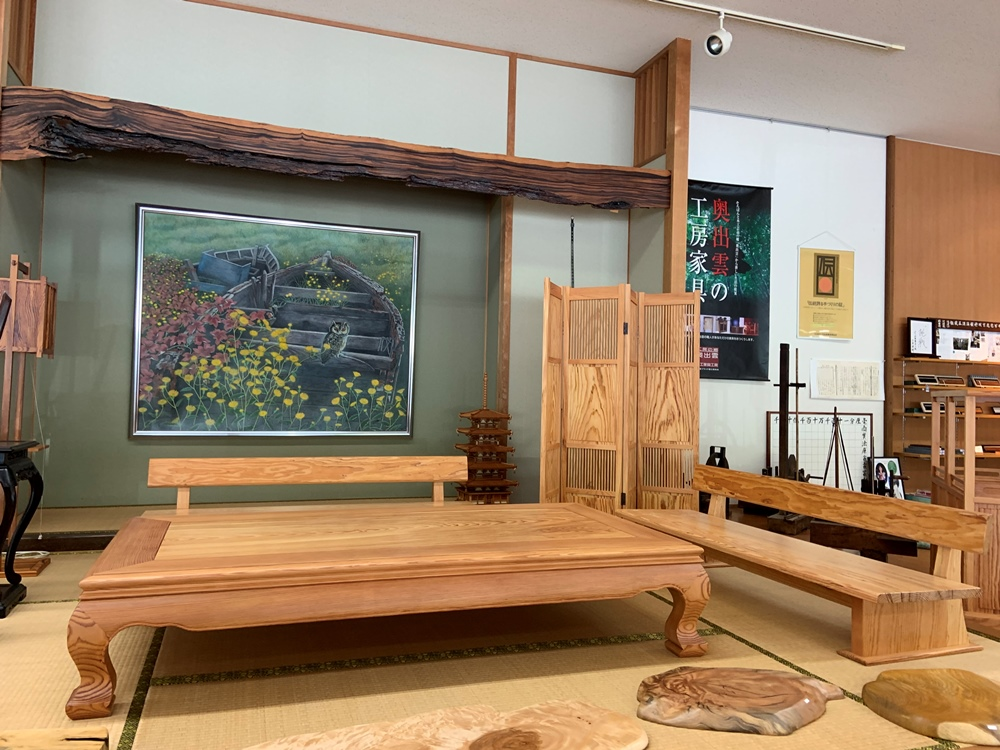 松のベンチ